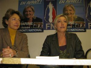 marine-le-pen-avec-lydia-schenardi-conseillere-regionale-paca